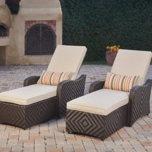 Lounges & Daybeds