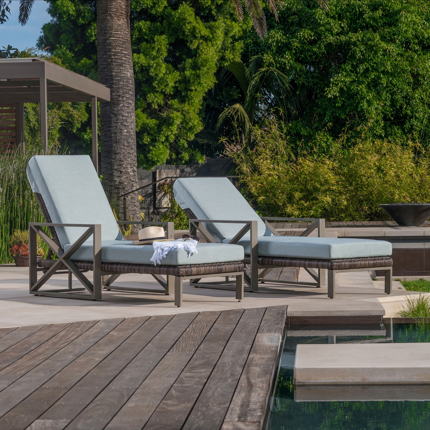 City Heights 2pk Chaise Lounges Mission Hills Furniture