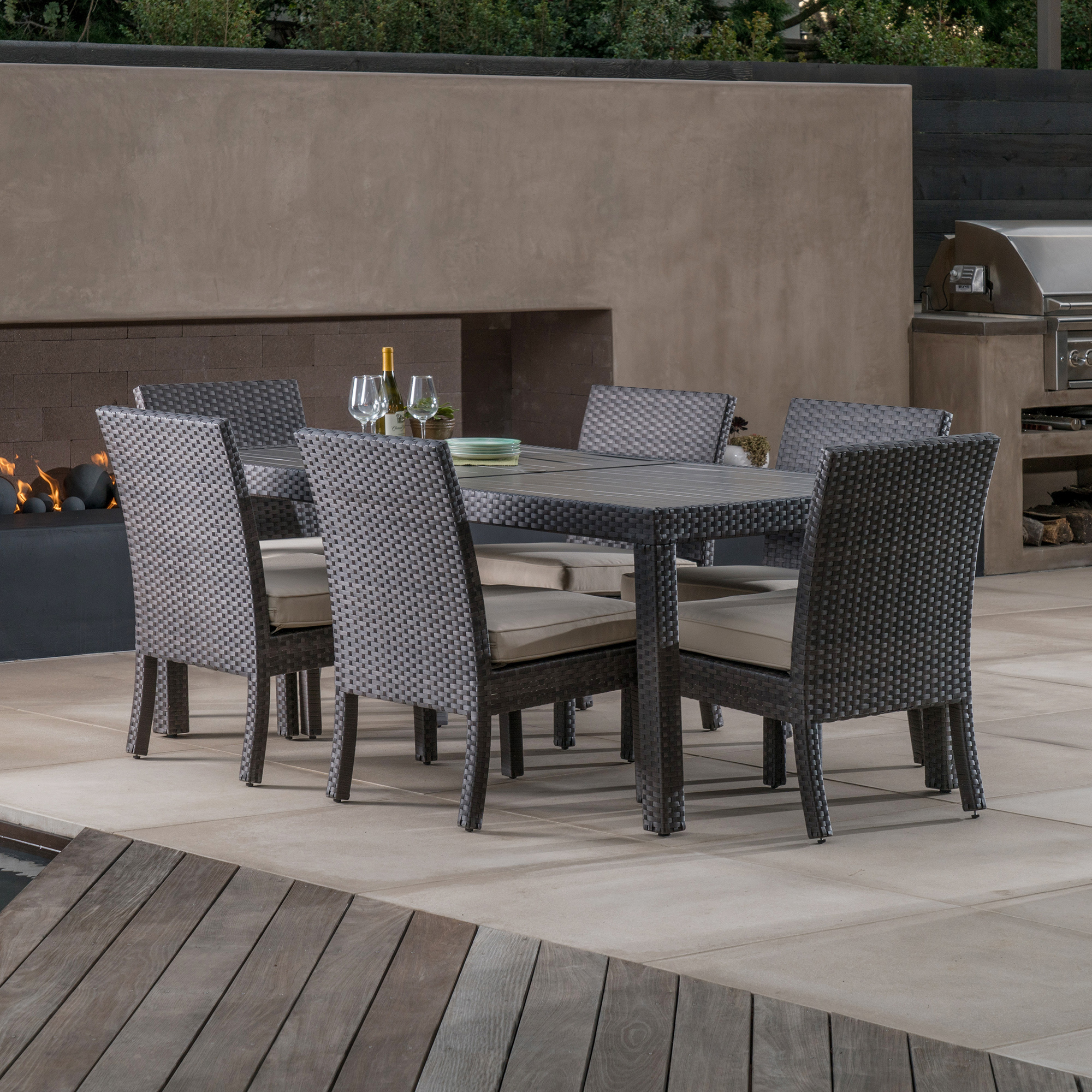 Kingston 7pc dining collection mission hills furniture for Furniture kingston