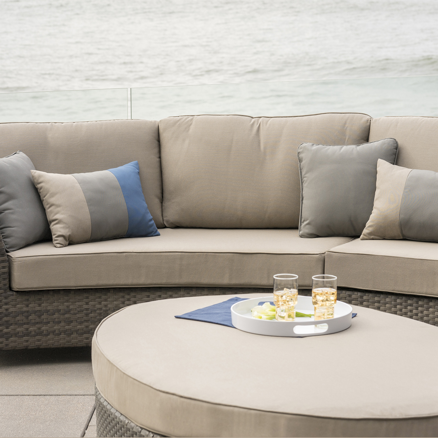 Nautilus 6pc Deep Seating Sectional Mission Hills Furniture