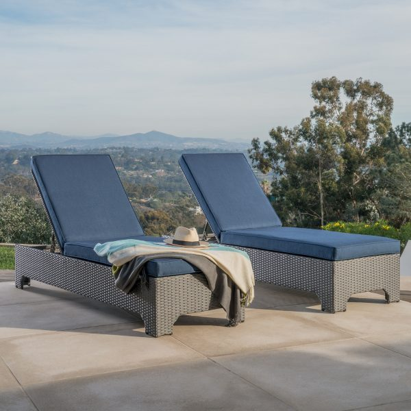 Silverlake 2pk Chaise Lounges Mission Hills Furniture
